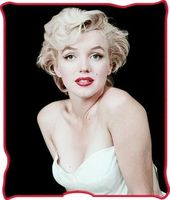 Marilyn Monroe - White Dress: Micro-Plush Throw