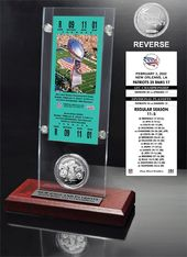 Football - Super Bowl 36 Ticket & Game Coin