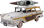 Fords Woody-Look Country Squire with Kayak
