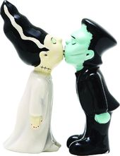 Frankenstein Kissing the Bride of Frankenstein -