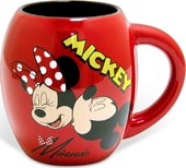 Disney - Mickey Mouse - Mickey & Minnie Kiss -