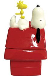 Peanuts - Snoopy & Dog House Salt & Pepper Shakers
