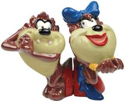 Looney Tunes - Taz In Love Salt & Pepper Shakers