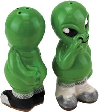 Alien - Salt & Pepper Shakers