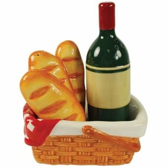 Picnic Basket - Salt & Pepper Shakers